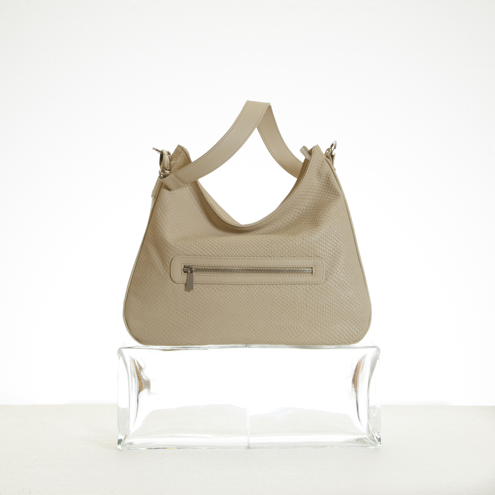 Hobo bag in cream embossed leather